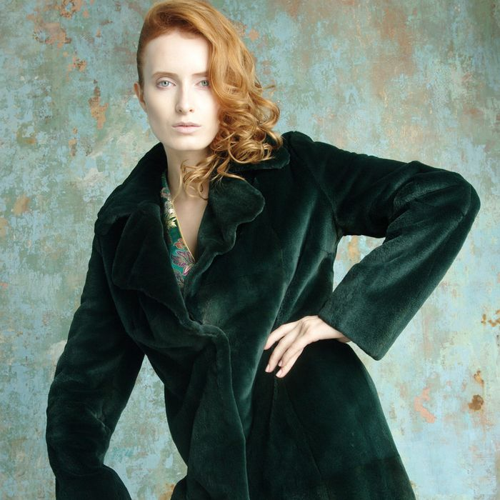 пальто из бархата