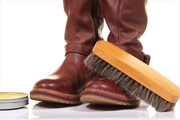 чистка зимней обуви перед хранением