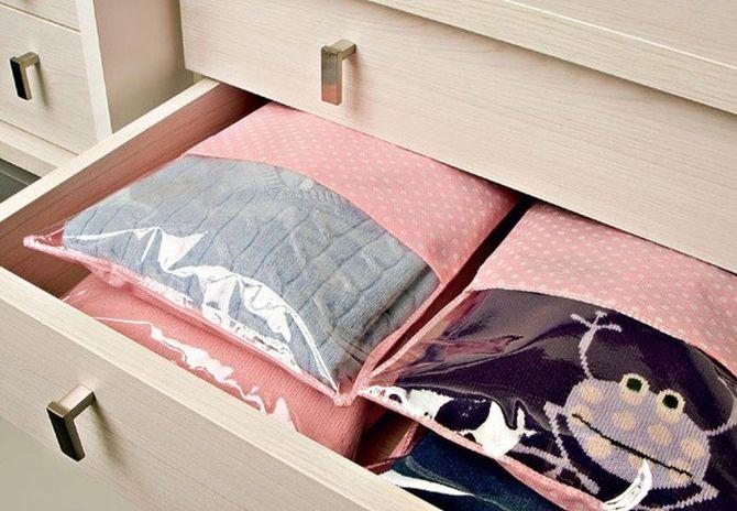 упаковка с одеждой